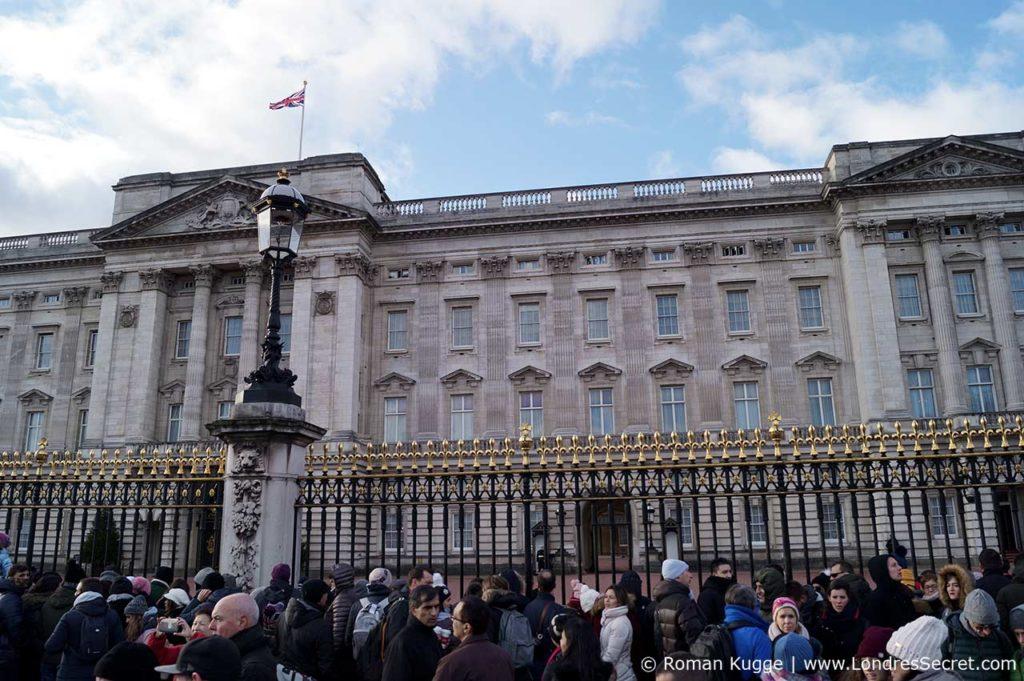 Releve de la garde Buckingham Palace Grille
