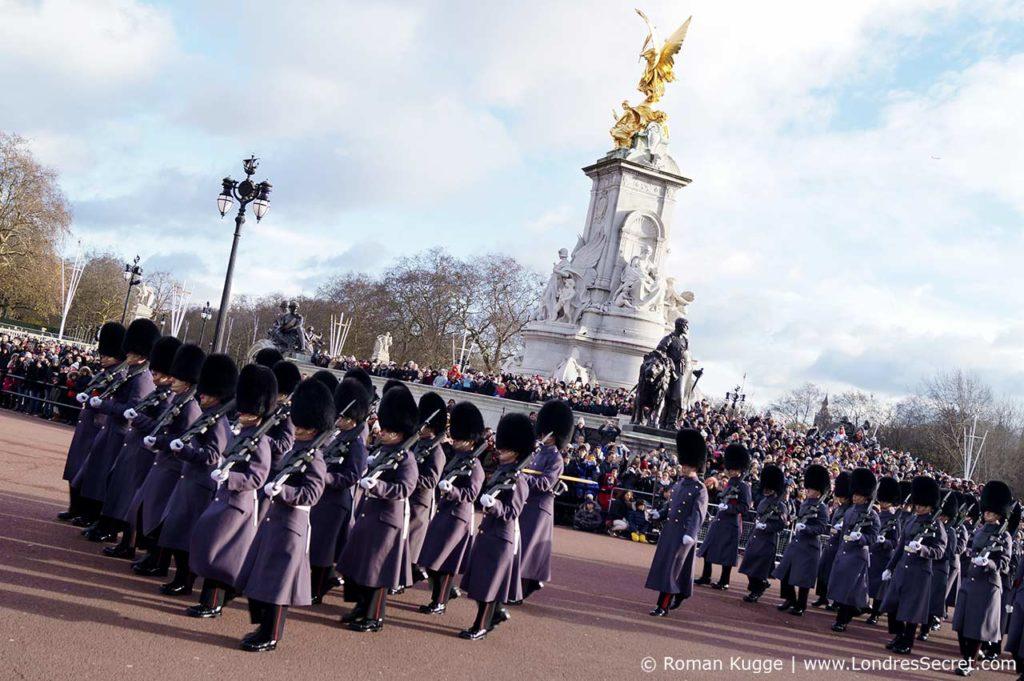 Releve de la garde Buckingham Palace Londres