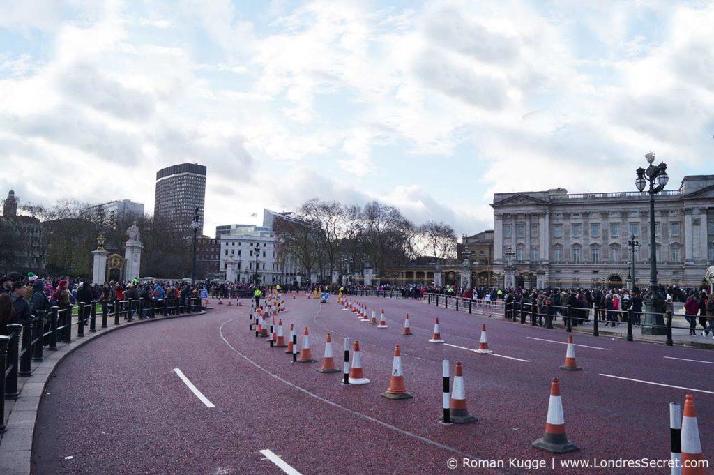 Releve de la garde Buckingham Palace Londres Bord de la route