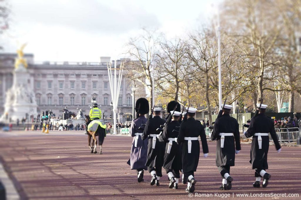 Releve de la garde Buckingham Palace Londres The Mall