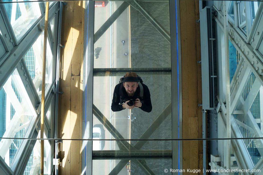 Roman Kugge Londres Skywalk Glasfloor Sol en verre Tower Bridge