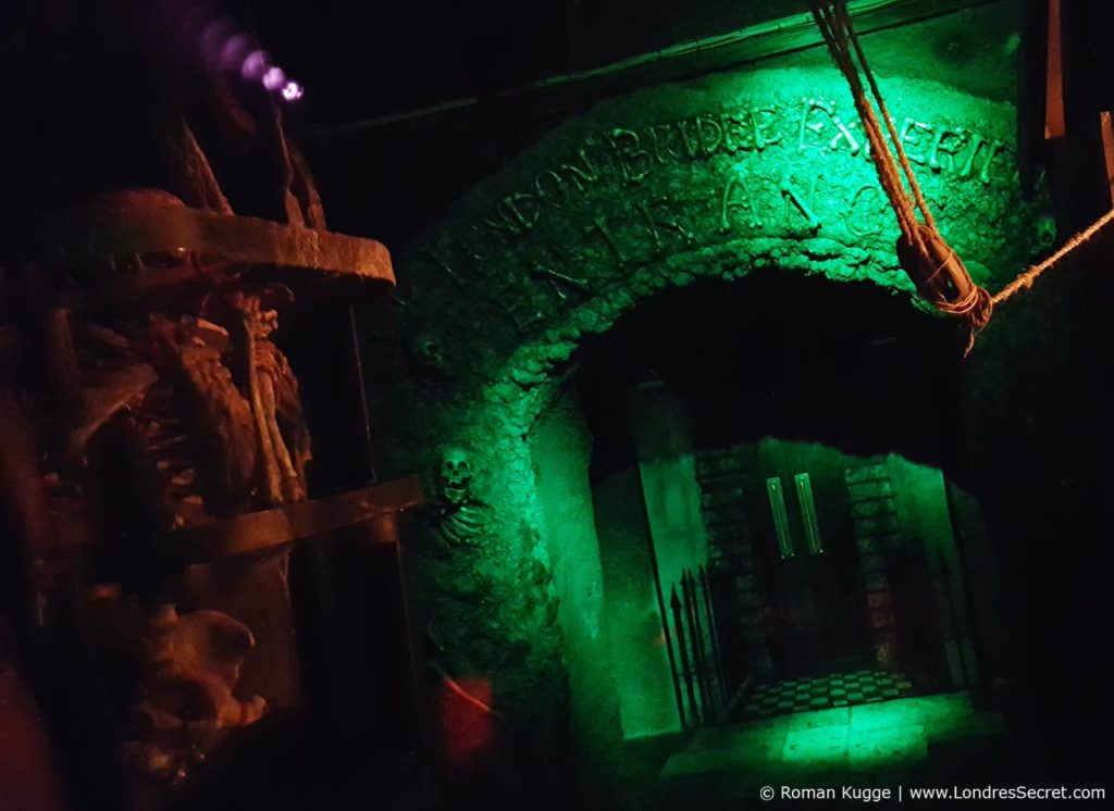 London Bridge Experience & Tombs attraction maison hantée Londres