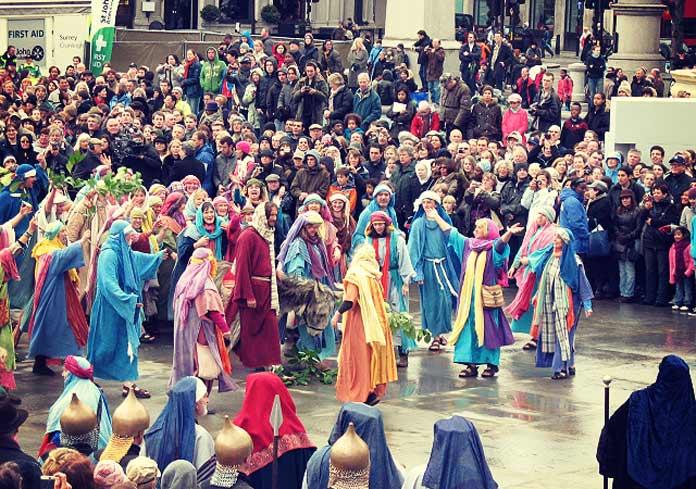 La Passion du Christ Passion Play à Trafalgar Square à Londres