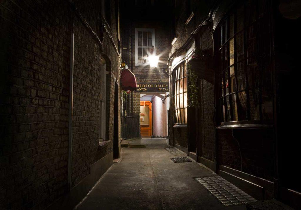 Allée sombre Londres