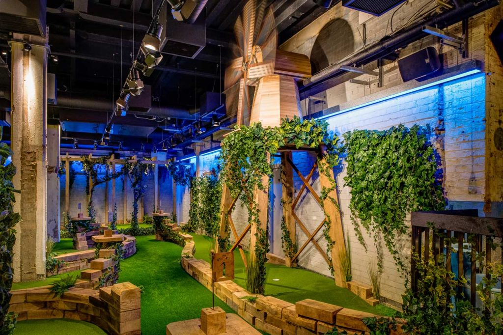 Swingers City Minigolf Bar Londres (1)