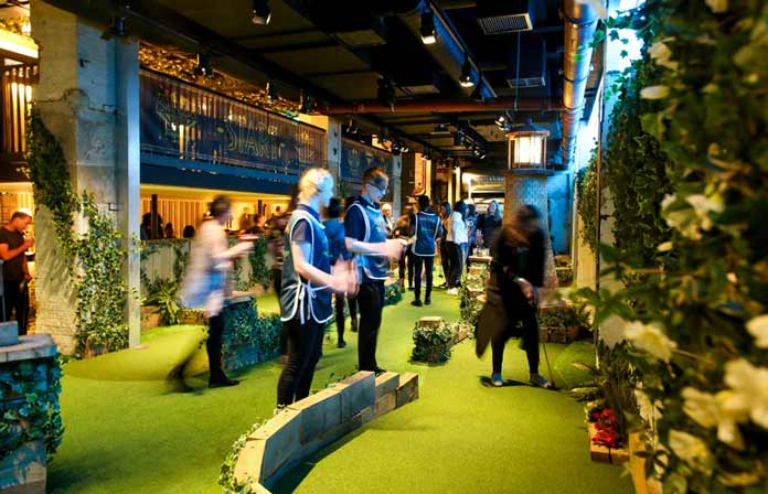Swingers Minigolf Bar Londres (1)