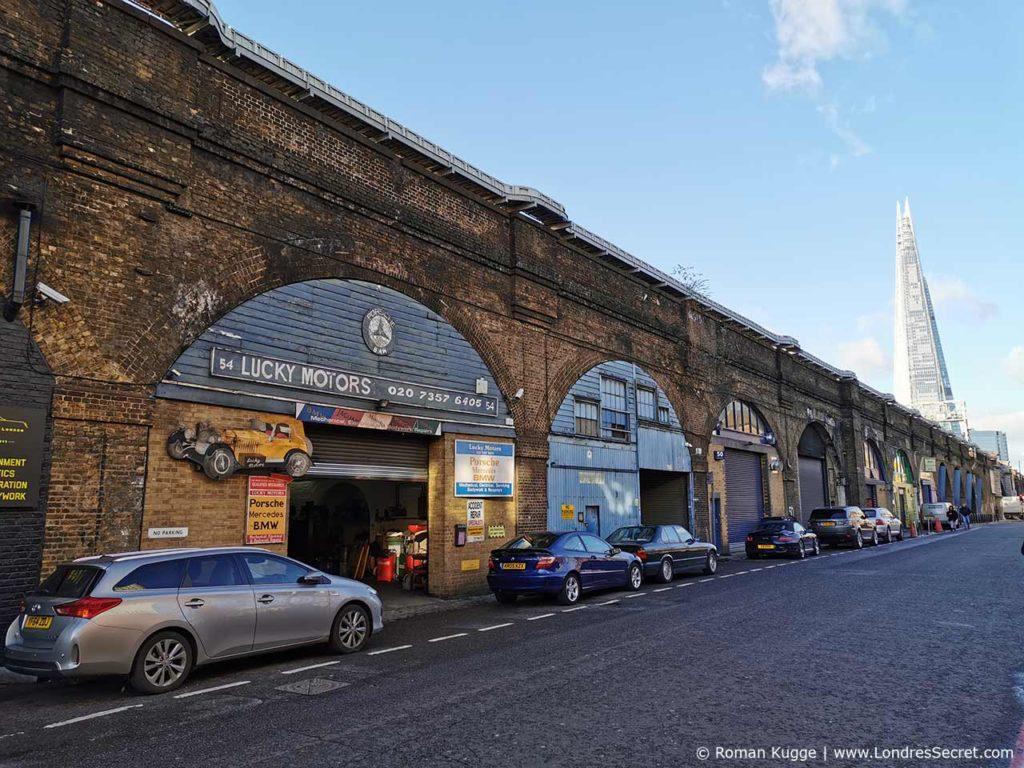 The Shard vu depuis le marché Maltby Street Market à Londres